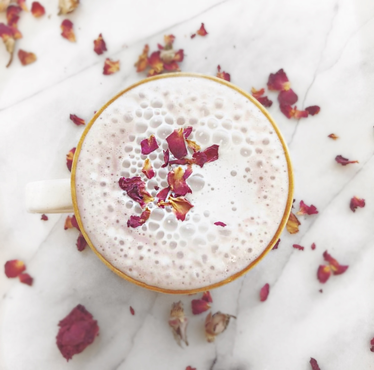 strawberry rose latte